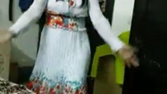 এক মহিলা বাংলা x videos বহু পুরুষ, বহু পুরুষের এক নারির