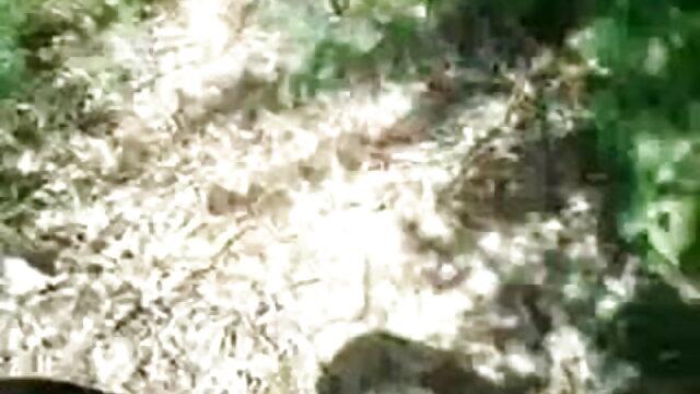 একটি তালাত্তয়ালা করা তার আঙুল উপর একটি উপপত্নী ঘুমের এবং বাংলা xxxxcom যৌনসঙ্গম