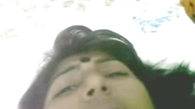 লেডি বাংলা এক্সক্স ভিডিও টেবিলের উপর নেতার সঙ্গে দূরে সঞ্চালিত হয়