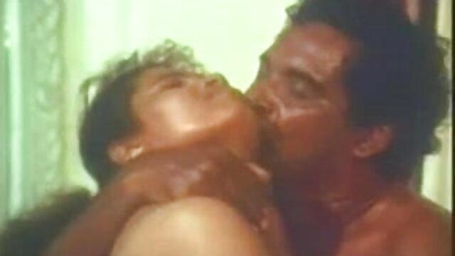 এক মহিলা বহু পুরুষ, বাংলা x video