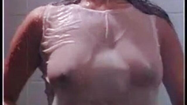 স্কার্ট মধ্যে ছাত্র সে স্নপার দ্বারা আপ বাছাই করা হয় যে দেখতে না বাংলা porn