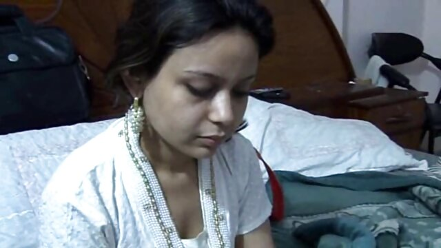 সুন্দরি www xxx বাংলা সেক্সি মহিলার