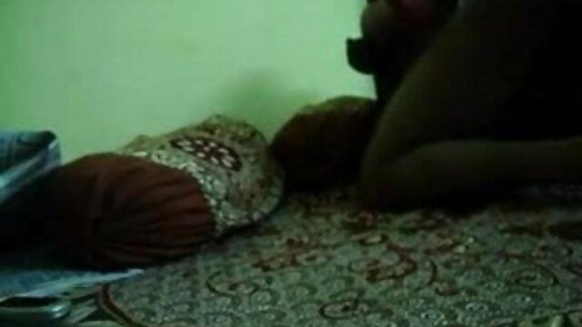 এক বাংলাদেশি নেকেড ভিডিও মহিলা বহু পুরুষ, প্রসাব করা,
